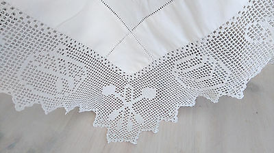 Antique Linen And Lace Table Cloth, In Great Condition.