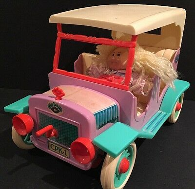 Vintage 1984 Coleco Cabbage Patch Kids Car with Miniature Doll RARE CPK-1