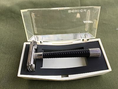 Schick Safety Razor in Original Plastic Case copyrighted 1965 Eversharp
