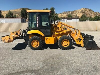 Jcb Su-212 Skip Loader 4X4X4, Only 375 Hours Since New Ac, Pto, 3 Point, Mower E