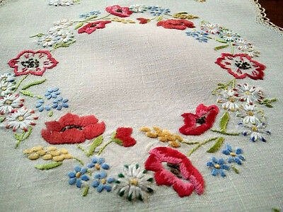 Gorgeous Vintage Centrepiece - Hand embroidered Poppy Garland
