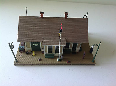 Ho Scale Built And Ready Woodlands Train Station Almost New