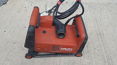 HILTI DC-SE20 110 VOLT WALL CHASER WITH 2 X 125mm BLADES LIKE DC SE 20 VAT INCL