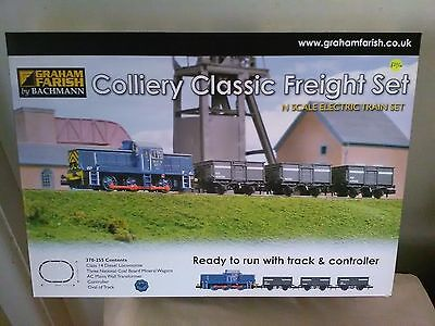 Graham Farish 370-255 Colliery Classic N Gauge trainset plus bonus Woodlands DVD