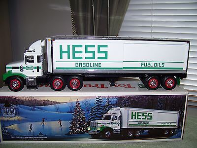 1987 HESS 18 Wheeler Bank (Nice Condition w/box and working lights, etc.)