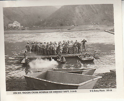 Original Army Photo TROOPS JEEP ASSAULT RAFT Cross MOSELLE RIVER 1945 France 336