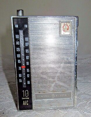 **vintage General Electric Am/fm 10 Transistor Radio**