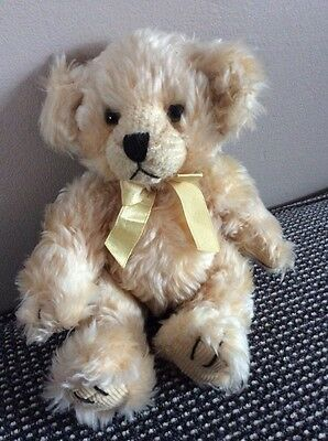 Gorgeous Russ Berrie Beige Teddy Bear Named Cosgrove Wearing A Yellow Ribbon