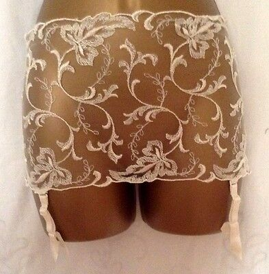WOLFORD Body Culture Cream Lace Embroidered Suspender Belt  Size Small