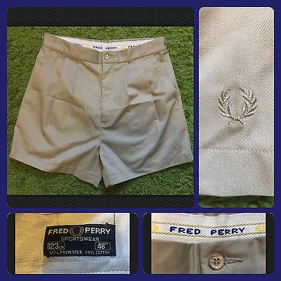 """Vintage FRED PERRY - Men's Beige Chinos Shorts - W30"""""""