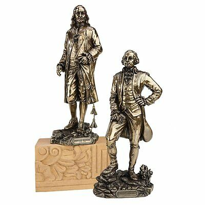 WU976069 - Founding Fathers: Benjamin Franklin and George Washington Statues
