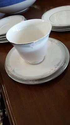 Royal Doulton Teaware for 6 - Excellent condition