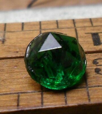 "WOW 5/16"" Diminutive Facted Green Glass Antique Button 286:1"