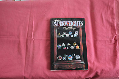 Collectors' Paperweight Price Guide and Catalogue by Lawrence H Selman
