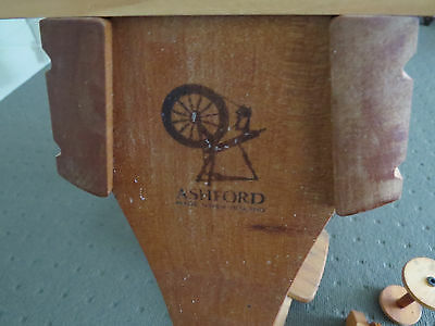 Ashford Tradition Spinning Wheel With Lazy Kate & 4 Spare Bobbins - Excellent