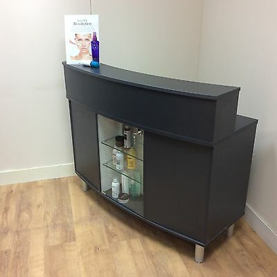 1200mm Curved Reception Desk with Display (EB3&4)