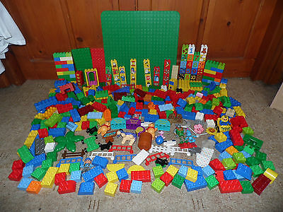 Lego DUPLO Large Job Lot Bundle 4 Kg Inc Bricks Base Plate Winnie The Pooh etc