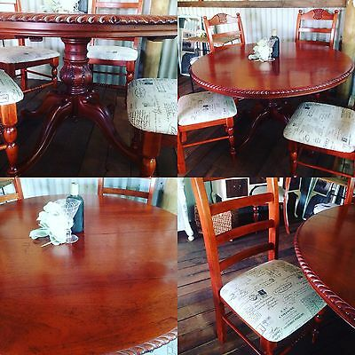 Victorian Style Dining Table With 4 French Script Chairs