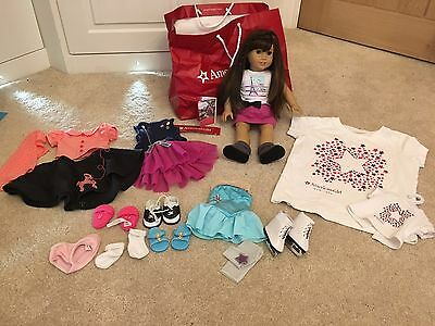 American Girl Doll Grace Thomas With Lots Of Clothes And Accessories.