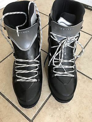 New Scarpa Inferno Mountaineering Boots/ Rock Ice Climbing $359