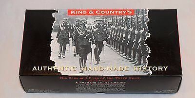 King And Country Lah061 Lah61 Oath Taking Ceremony - 3 Figures With Flag - Rare