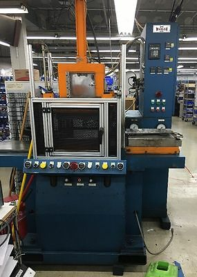 Wabash MPI DAGT30H-15-X Transfer Mold Press. 30 Ton Molding Machine.