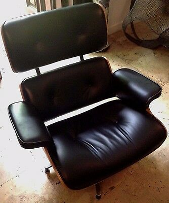 Pair of Mid-Century Eames-style Leather Lounge Chairs w Ottomans