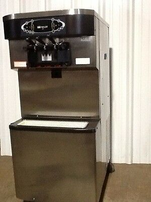 Taylor C713 soft serve ice cream machine   Clean and works beautifully!