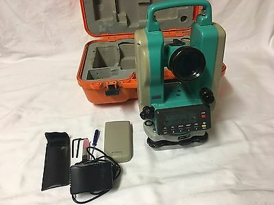 Sokkia DT-5A  THEODOLITE Total Station, 2 batteries and case