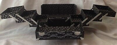 Caboodles Stylist Cosmetic Makeup Train Case Black Lace 6 Tray Organizer 2 Keys