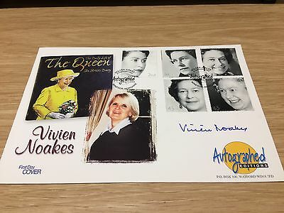 GB 2002 Golden Jubilee FDC First day cover signed Vivien Noakes Royalty (M)