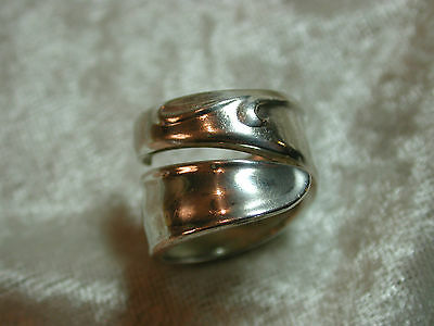 Vintage *WmROGERS* I S spoon ring NICE!  Q9P39
