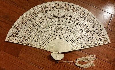 ANTIQUE CHINESE BOVINE BONE HAND FAN LACE PATTERN w box MADE IN HONG KONG