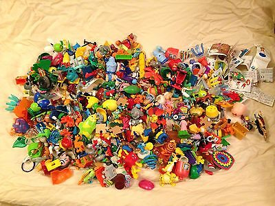 1.257KG (2.77lbs) Of Kinder Surprise Toys & Pieces - Various Years & Sets