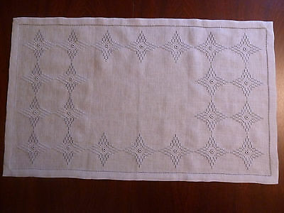 Tablerunner Pulled thread embroidery 17,3 x 28,7 inch 100% handmade & New