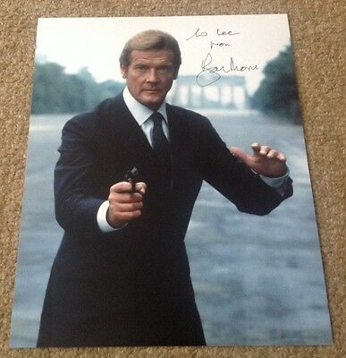 ROGER MOORE  -  007 JAMES BOND 2  -  SIGNED -  10x8  COL PHOTO -  INSC TO  LEE