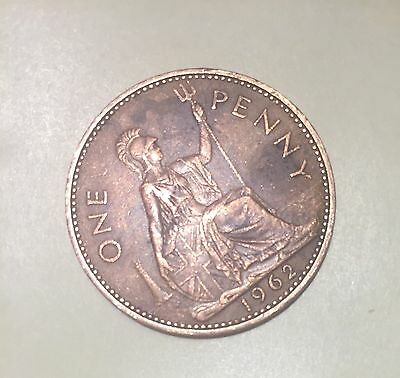 1962 Queen Elizabeth II - British One Penny Coin For Collection