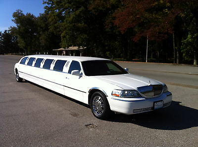 2003 Lincoln Town Car Executive L NO RESERVE!!  2003 Lincoln Town Car 180 inch stretch