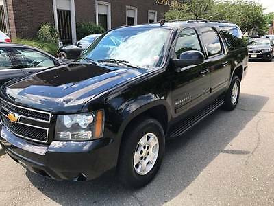 2014 Chevrolet Suburban  2014 Chevrolet Suburban LT Excellent Condition Well Maintained