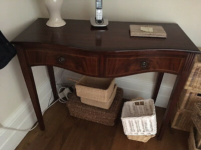 Reproduction sofa/side table