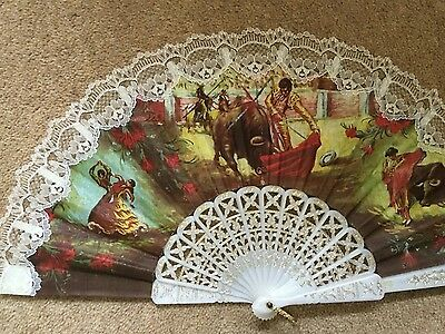 Vintage Ladies Fan Spanish Design Fabric & Cream Lace