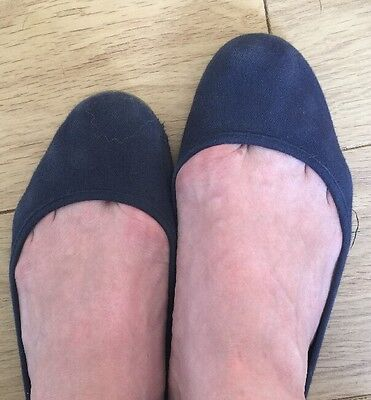 Well Worn Navy Ladies Pumps Shoes Size 8