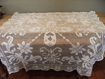 Beautiful Vintage Lace Ivory Crochet Table Cloth 120 X120 Cm