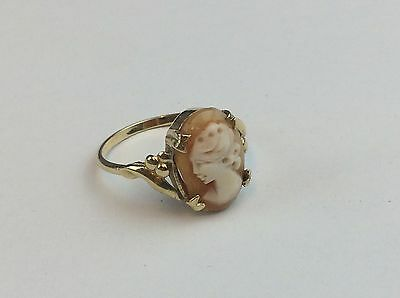 9ct 375 Gold Cameo Ring Size O 1/2 Weight 2.1 Grams