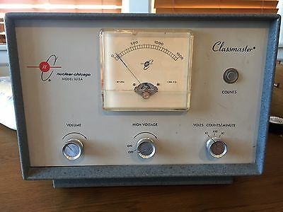 Classmaster Nuclear Chicago Model 1613A Radiation Radioactivity
