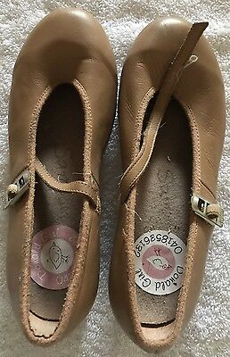 Bloch Girls Tap Shoes Size 13.5
