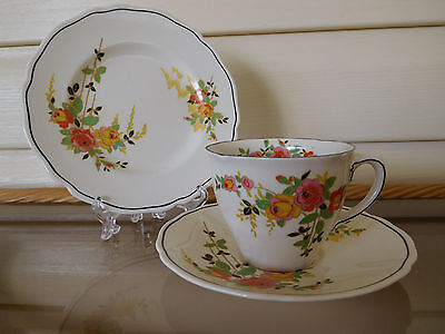"Royal Doulton ""Rosslyn"" Trio D5399 Made In England 1930s"