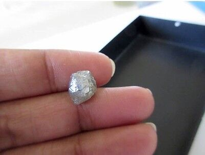 4.70 CTW Rough Raw Uncut Natural Silver Grey Smooth Skinned Clear Opaque Diamond