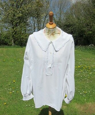 VINTAGE LAURA ASHLEY LACE TRIMMED BLOUSE / SHIRT.1970s MADE IN CARNO LABEL. SZ M