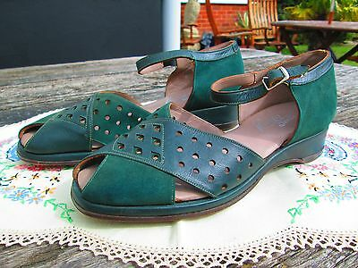 Original True Vintage Green  Unworn Utility Wedge Shoes Sandals  Size 4